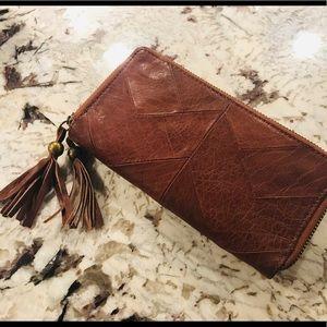 BRAND NEW Lucky Brand Leather Herringbone Wallet